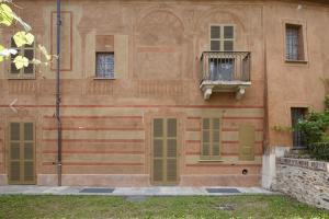 Particolare facciata su giardino privato