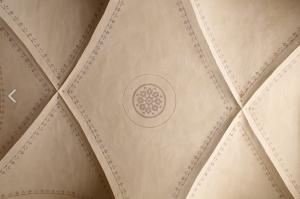 Particolare voltini a soffitto scalone principale