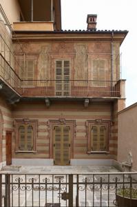 Vista facciata su cortile interno - ingresso pedonale